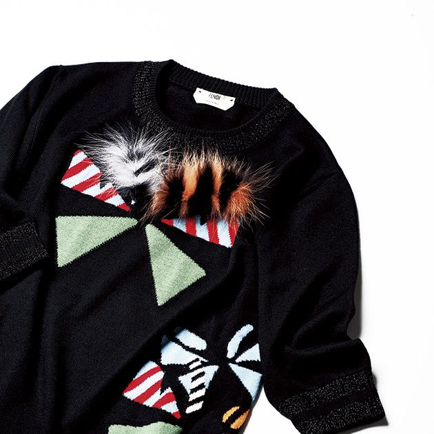 Clothing, Black, Product, Sleeve, Outerwear, T-shirt, Sweater, Long-sleeved t-shirt, Jersey, Textile,