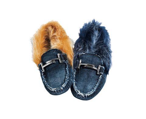 Footwear, Fur, Shoe, Denim, Boot, Textile, Jeans, Fur clothing, Buckle,