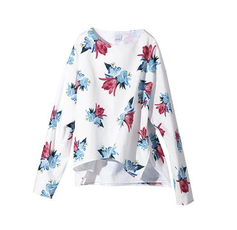 Clothing, White, Sleeve, Outerwear, Long-sleeved t-shirt, Sweater, Collar, Neck, Top, Blouse,