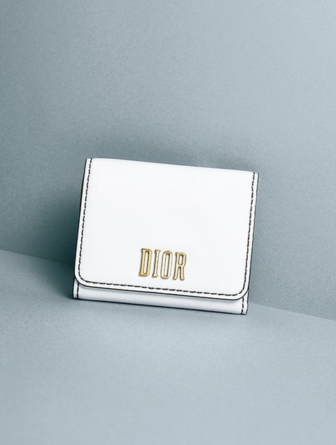 Rectangle, Wallet, Place card, Fashion accessory, Square, Metal,