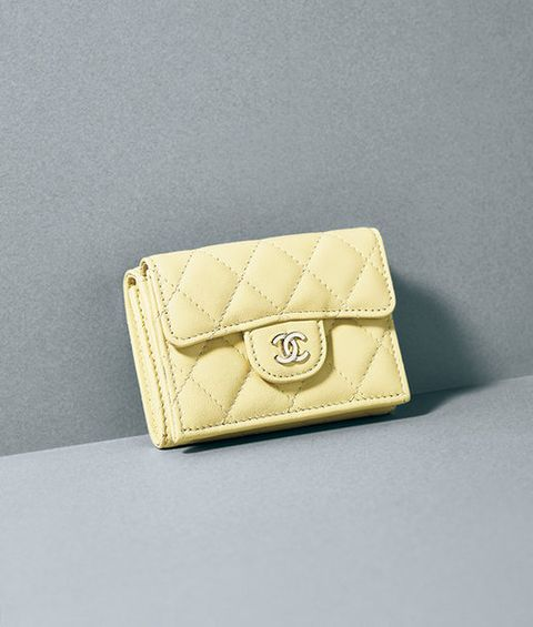 Yellow, Beige, Fashion accessory, Wallet, Coin purse, Material property, Handbag, Bag, Leather, Rectangle,