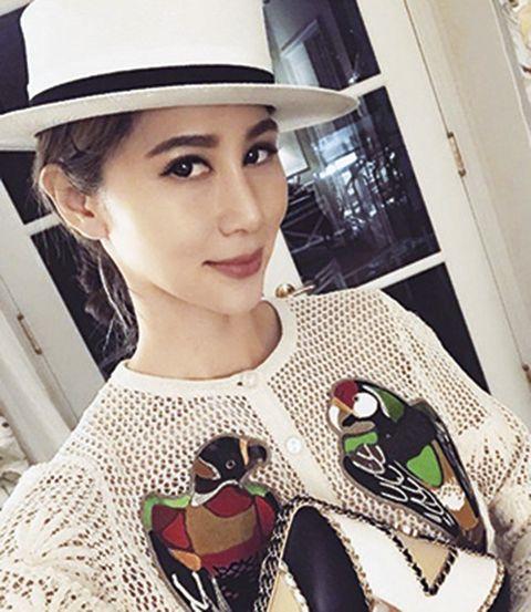 Clothing, Hat, Lip, Fashion, Beauty, Footwear, Street fashion, Fedora, Fashion accessory, Sun hat,