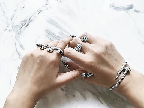 Finger, Hand, Jewellery, Skin, Bracelet, Nail, Wrist, Fashion accessory, Ring, Chain,