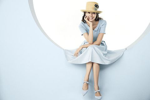 White, Clothing, Shoulder, Fashion, Dress, Leg, Waist, Joint, Sleeve, Hat,