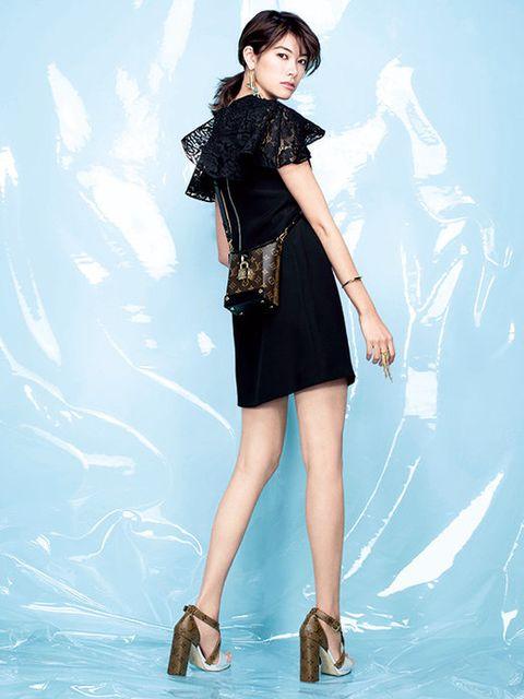 Fashion model, Clothing, Black, Shoulder, Dress, Leg, Beauty, Fashion, Photo shoot, Little black dress,
