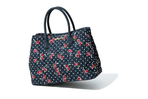Handbag, Bag, Fashion accessory, Pattern, Design, Tote bag, Luggage and bags, Material property, Shoulder bag, Pattern,
