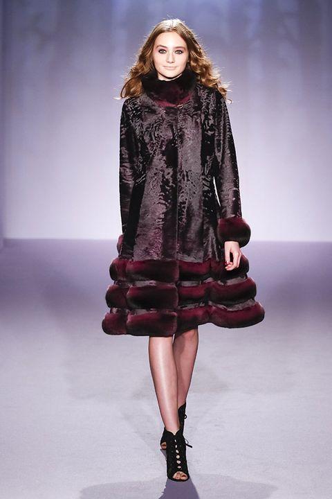 Fashion model, Fashion show, Fashion, Runway, Clothing, Public event, Fur, Outerwear, Fashion design, Shoulder,