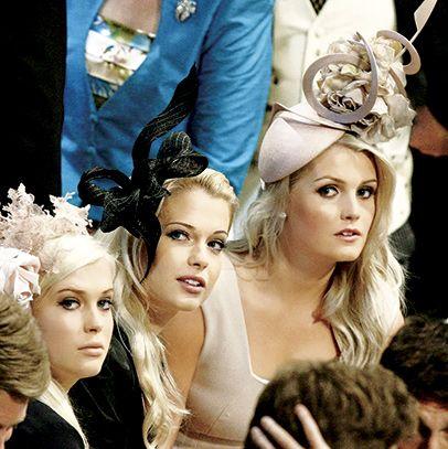 Hair, Headpiece, Fashion, Hairstyle, Beauty, Hair accessory, Blond, Human, Fashion design, Headgear,