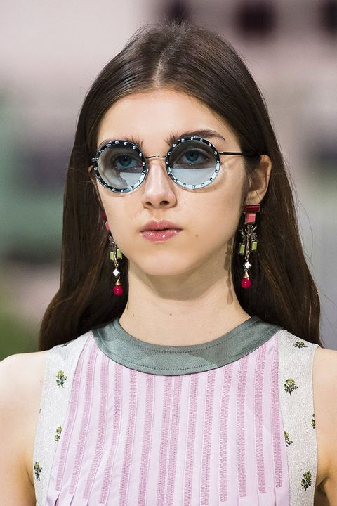 Eyewear, Hair, Face, Glasses, Sunglasses, Beauty, Lip, Cool, Fashion, Hairstyle,