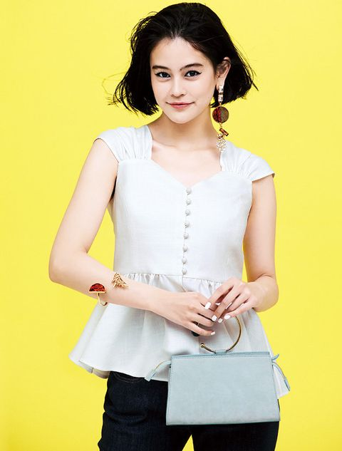 Clothing, White, Yellow, Waist, Neck, Fashion model, Sleeveless shirt, Sleeve, Outerwear, Blouse,