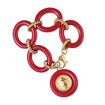 Fashion accessory, Jewellery, Body jewelry, Metal,