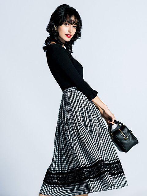 Clothing, Black, White, Fashion model, Waist, Shoulder, Fashion, Dress, Pattern, Leg,