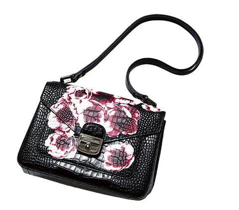 Bag, Handbag, Shoulder bag, Fashion accessory, Pink, Wristlet, Design, Coin purse, Material property, Strap,