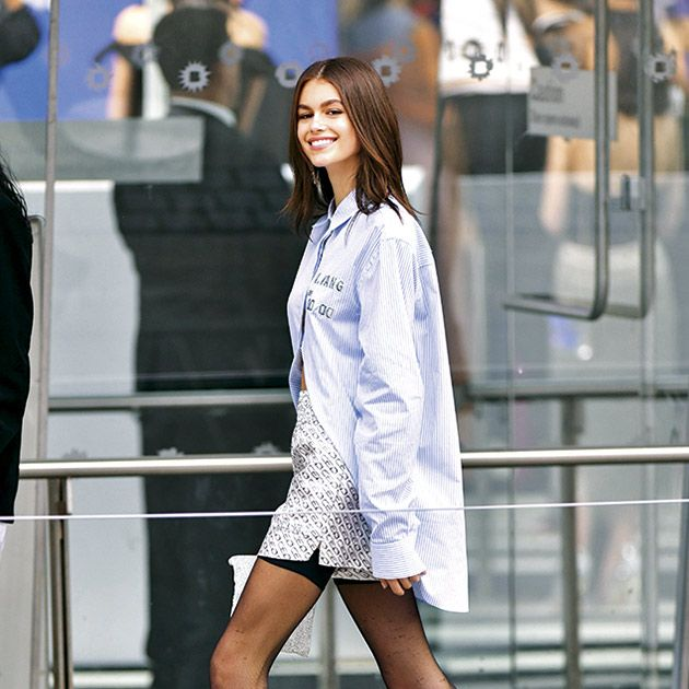 Fashion model, Clothing, White, Street fashion, Photograph, Fashion, Leg, Beauty, Human leg, Snapshot,