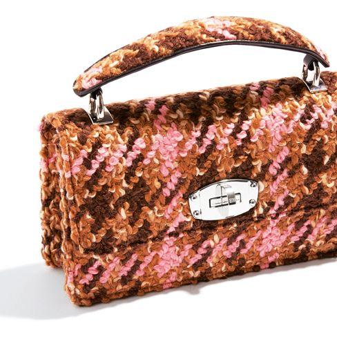 Handbag, Bag, Fashion accessory, Brown, Pink, Shoulder bag, Material property, Luggage and bags, Beige,