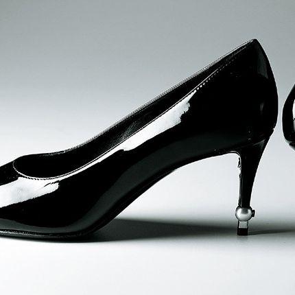 Footwear, High heels, Basic pump, Shoe, Black-and-white, Court shoe, Leg, Photography, Dancing shoe, Style,