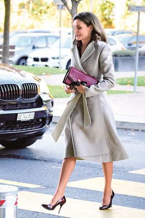 Clothing, Street fashion, Fashion, Coat, Trench coat, Snapshot, Footwear, Outerwear, Dress, Fashion model,