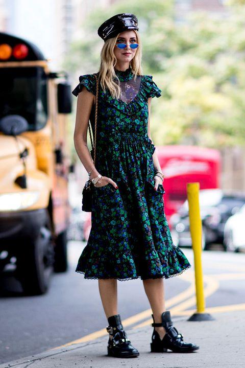 Plaid, Street fashion, Clothing, Fashion, Tartan, Pattern, Footwear, Eyewear, Dress, Sunglasses,