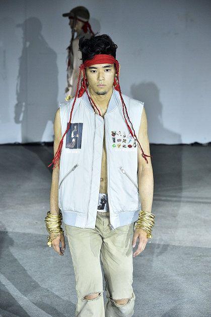 Fashion, Clothing, Runway, Fashion design, Denim, Human, Fashion model, Fashion show, Outerwear, Cool,