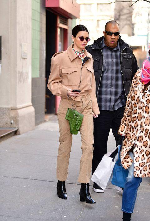 Street fashion, Clothing, Fashion, Snapshot, Pink, Eyewear, Sunglasses, Jeans, Human, Outerwear,