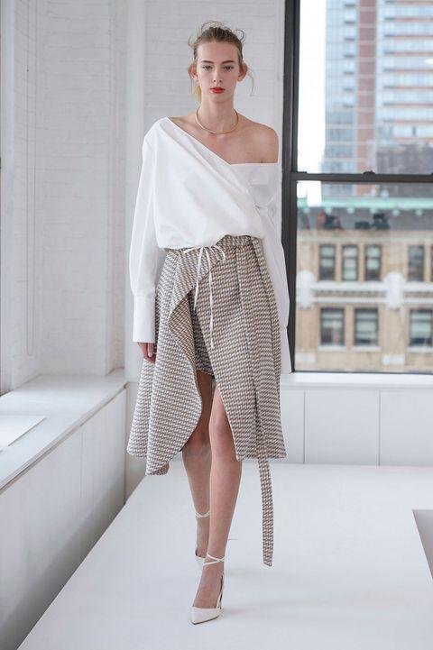 Clothing, Sleeve, Shoulder, Textile, Joint, Fashion show, Human leg, Style, Fashion model, Waist,