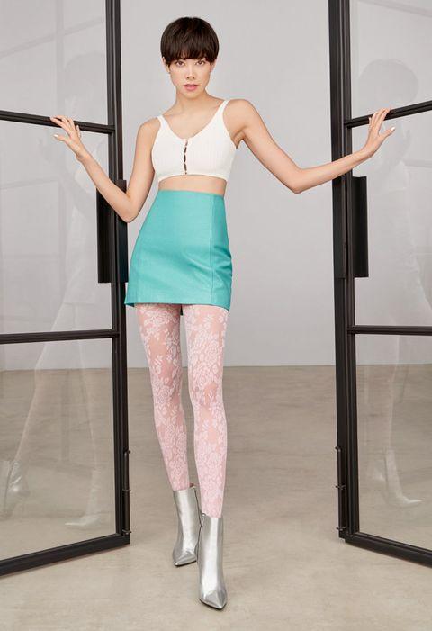 Shoulder, Clothing, Leg, Dance, Joint, Footwear, Fashion, Arm, Performing arts, Human body,