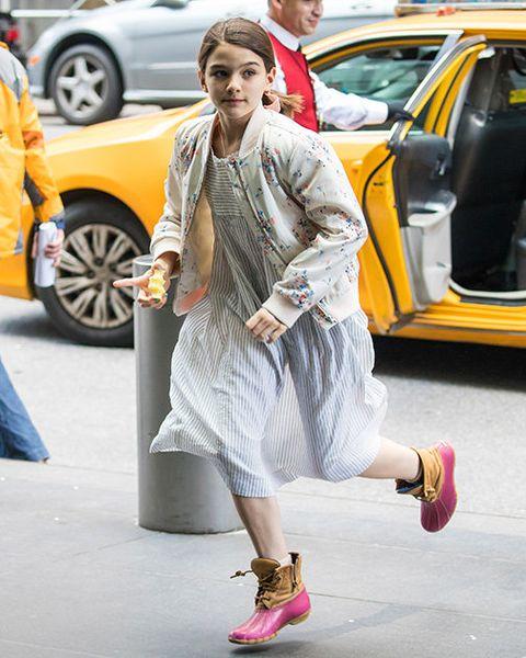 Street fashion, Clothing, Fashion, Yellow, Footwear, Snapshot, Outerwear, Dress, Automotive design, Shoe,