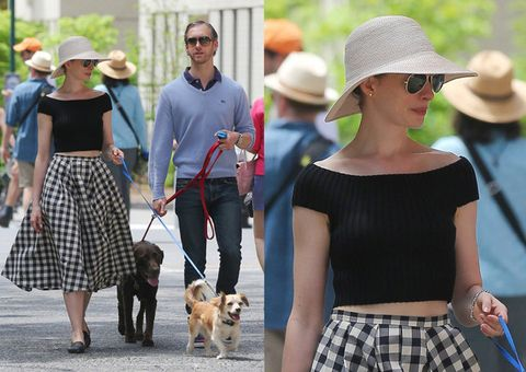 Human, Hat, Dog breed, Trousers, Vertebrate, Dog, Carnivore, Fashion accessory, Mammal, Leash,