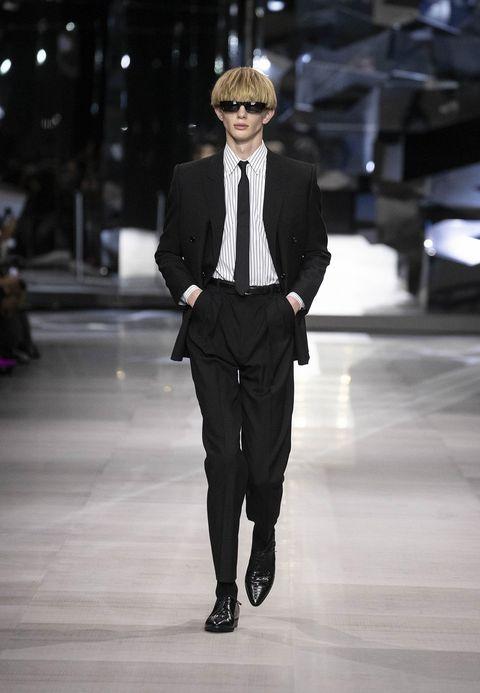 Fashion, Fashion model, Suit, Runway, Fashion show, Clothing, Formal wear, Blazer, Human, Outerwear,