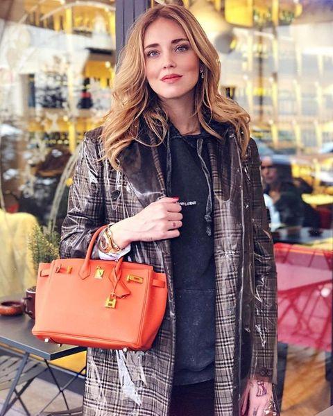 Clothing, Street fashion, Fashion, Shoulder, Handbag, Shopping, Outerwear, Bag, Tote bag, Tartan,