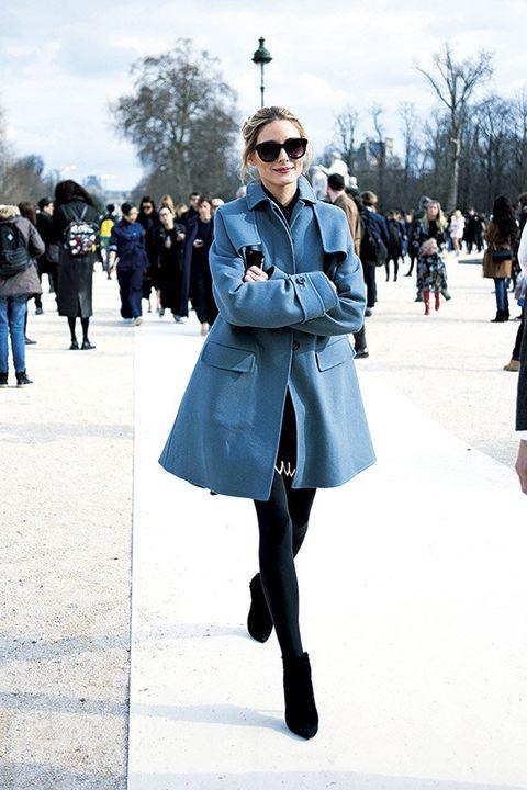 Street fashion, Clothing, Blue, Fashion, Coat, Overcoat, Snapshot, Outerwear, Cobalt blue, Trench coat,