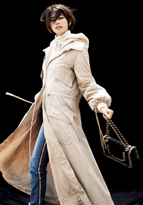 Clothing, Costume, Costume design, Outerwear, Cosplay, Fashion model, Victorian fashion, Fictional character, Trench coat,