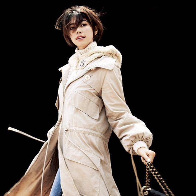 Clothing, Costume, Costume design, Fashion model, Outerwear, Cosplay, Fictional character, Victorian fashion, Trench coat,