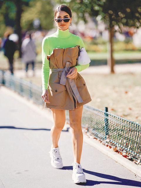 Clothing, Street fashion, Fashion, Eyewear, Green, Footwear, Yellow, Sunglasses, Turquoise, Snapshot,