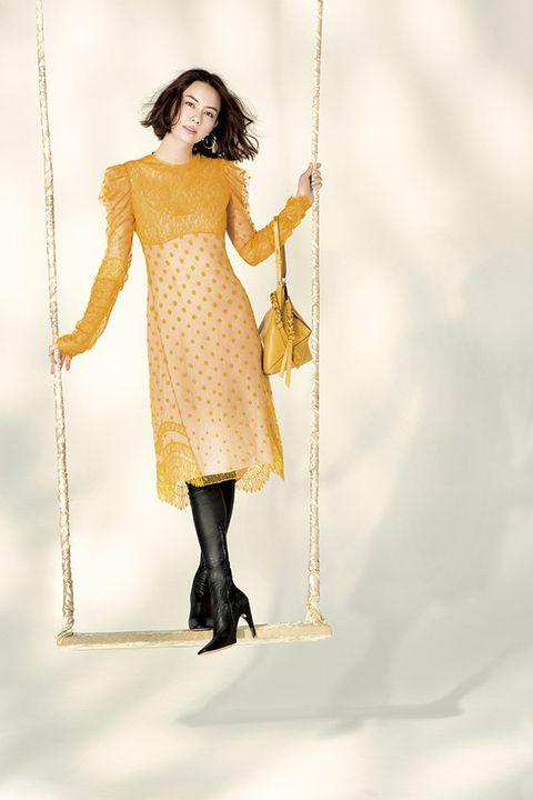 Knee, Art, Costume design, Swing, One-piece garment, Waist, Trunk, Chest, Costume, Illustration,