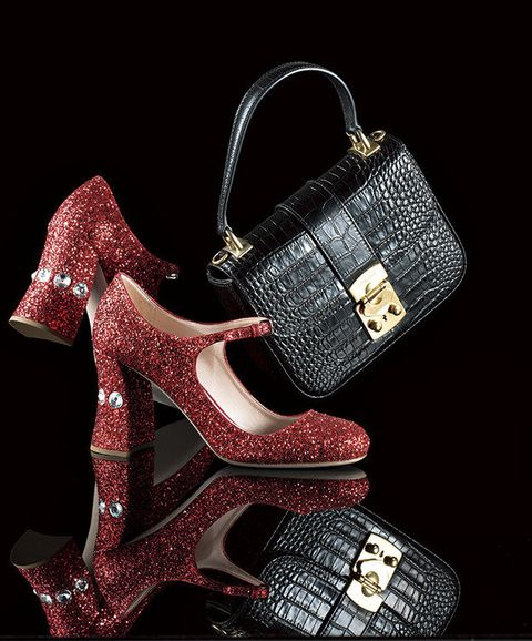 Footwear, Handbag, Bag, Dress shoe, Product, Glitter, Shoe, Fashion accessory, Font, Fashion,