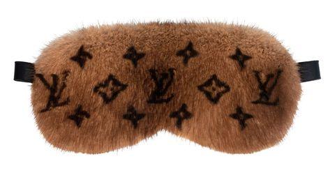 Fur, Brown, Beige, Footwear, Shoe, Paw,