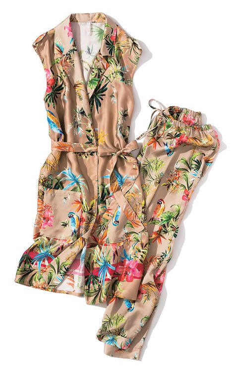 Clothing, Outerwear, Sleeve, Blouse, Dress, Textile, Day dress, Neck, Robe, Pattern,