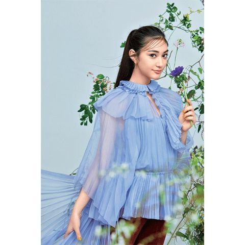 Clothing, Dress, Shoulder, Lavender, Outerwear, Neck, Textile, Blouse, Sleeve, A-line,