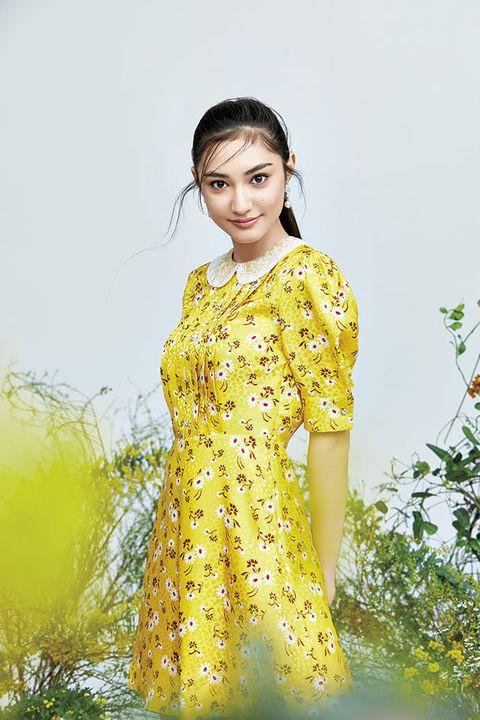 Clothing, Yellow, Fashion model, Beauty, Fashion, Dress, Formal wear, Photo shoot, Fashion design, Textile,