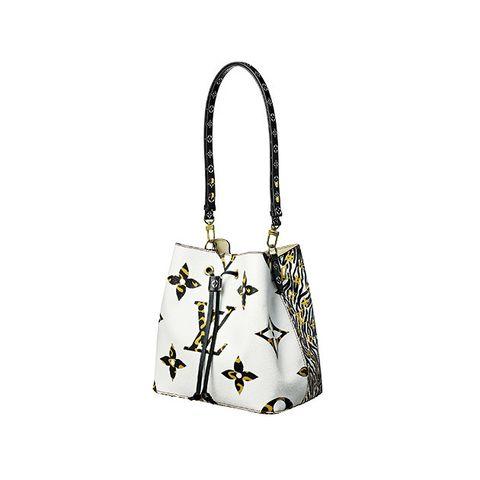 Bag, Handbag, White, Shoulder bag, Fashion accessory, Font, Hobo bag, Luggage and bags, Beige, Tote bag,