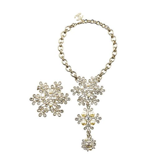 Jewellery, Body jewelry, Fashion accessory, Necklace, Chain, Diamond, Silver, Metal,