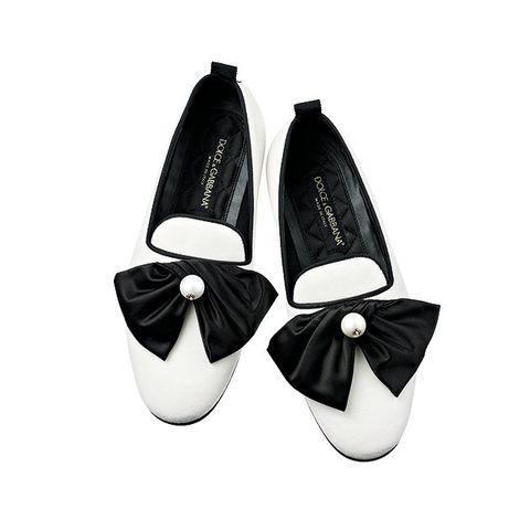 Footwear, White, Black, Shoe, Product, Mary jane, Ballet flat, Court shoe, Dancing shoe, Beige,