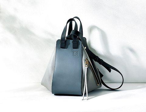 Handbag, Bag, Fashion accessory, Birkin bag, Tote bag, Satchel, Leather, Kelly bag, Material property, Shoulder bag,