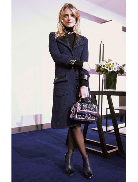 Clothing, Human body, Shoe, Coat, Outerwear, Bag, Style, Formal wear, Collar, Dress,