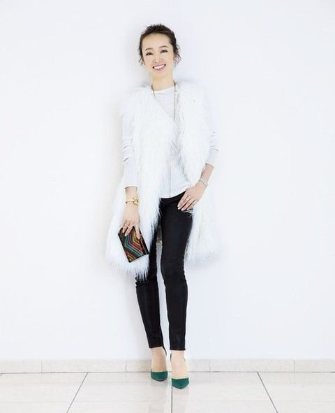 Clothing, White, Neck, Shoulder, Outerwear, Fashion, Jeans, Blazer, Sleeve, Footwear,
