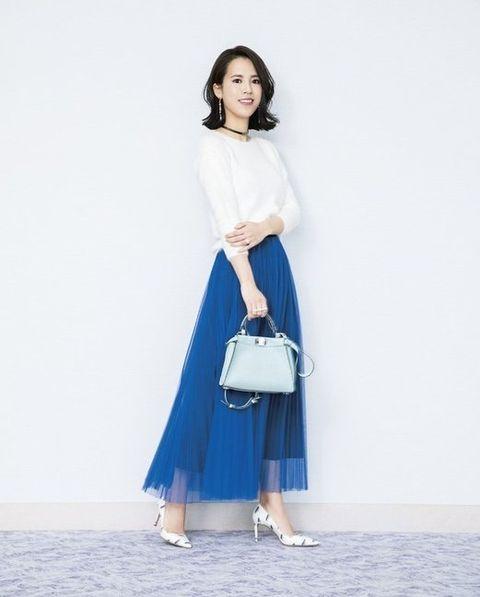 White, Clothing, Blue, Shoulder, Electric blue, Fashion, Dress, Cobalt blue, Joint, Leg,