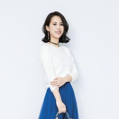Clothing, White, Blue, Shoulder, Neck, Sleeve, Electric blue, Waist, Dress, Fashion,