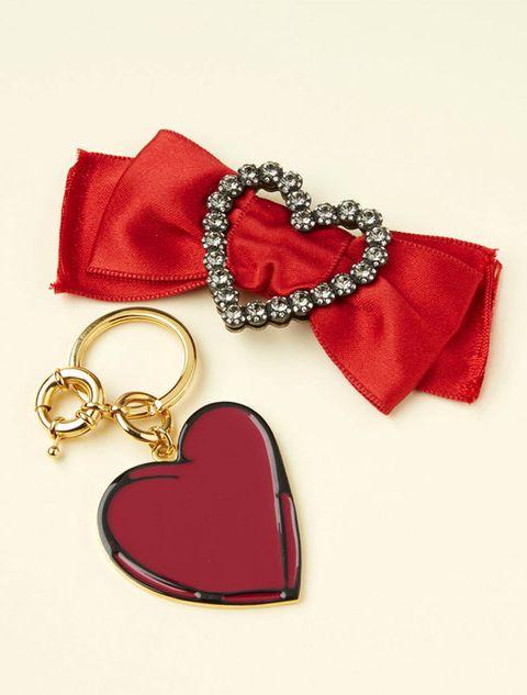 Red, Costume accessory, Carmine, Heart, Material property, Love, Pendant, Locket, Coquelicot, Body jewelry,