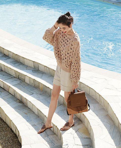 Clothing, Shoulder, Leg, Summer, Beige, Waist, Fashion, Joint, Vacation, Human leg,